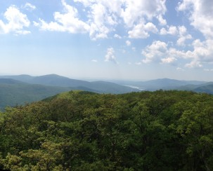 A panoramic view from the Mount Tremper fire tower